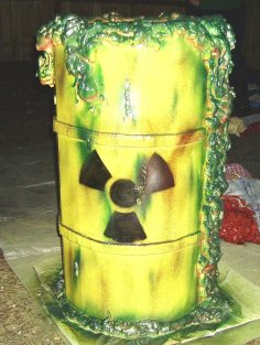 halloween_props__nuclear_waste_barrel_by_capdon-d4g1d40